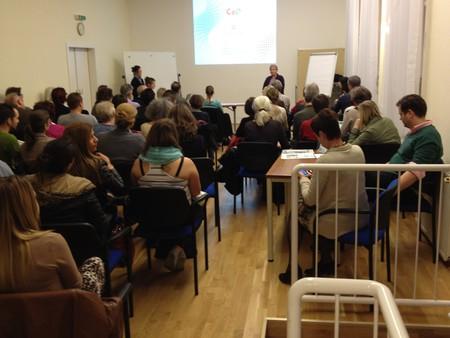 Mehr als 80 Besucher trafen zum Vortrag ein, die letzten mussten sich leider mit Stehplätzen begnügen